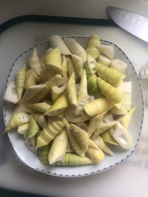 Oil stuffy bamboo shoots